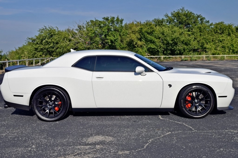 Dodge Challenger 2015 price $46,490