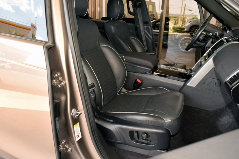 Land Rover Discovery 2017 price $45,890