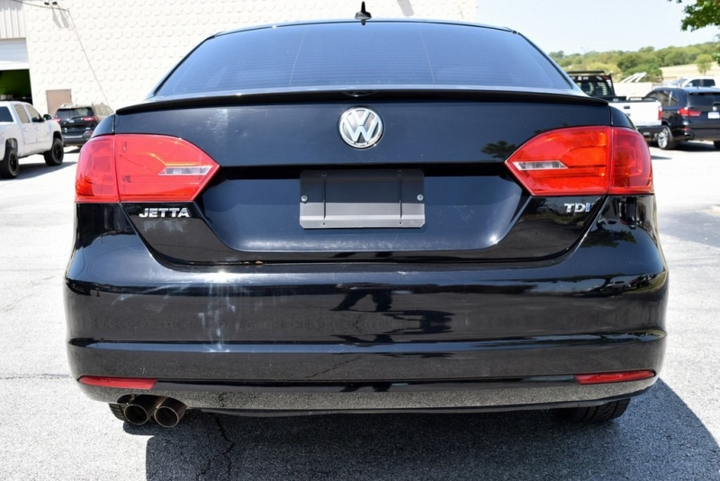 Volkswagen Jetta Sedan 2013 price $11,990