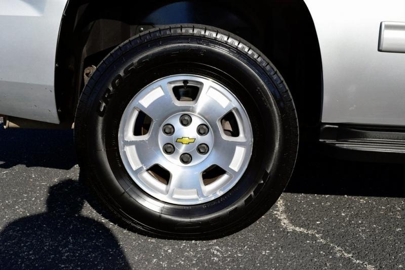 Chevrolet Tahoe 2011 price $17,990