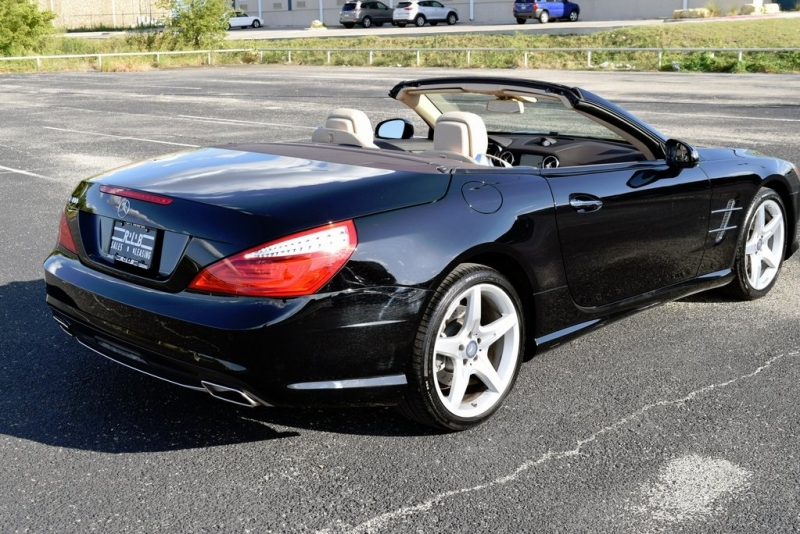 Mercedes-Benz SL 2016 price $52,990