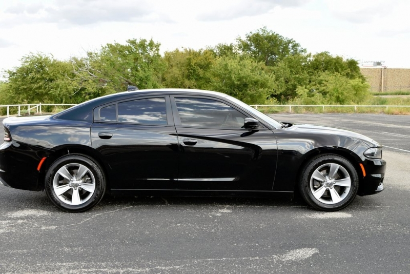 Dodge Charger 2016 price $19,490