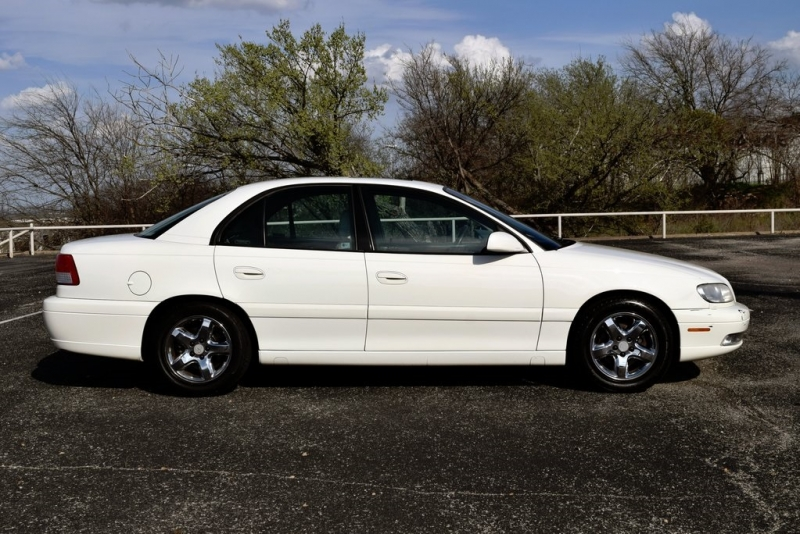 Cadillac Catera 2001 price $4,500