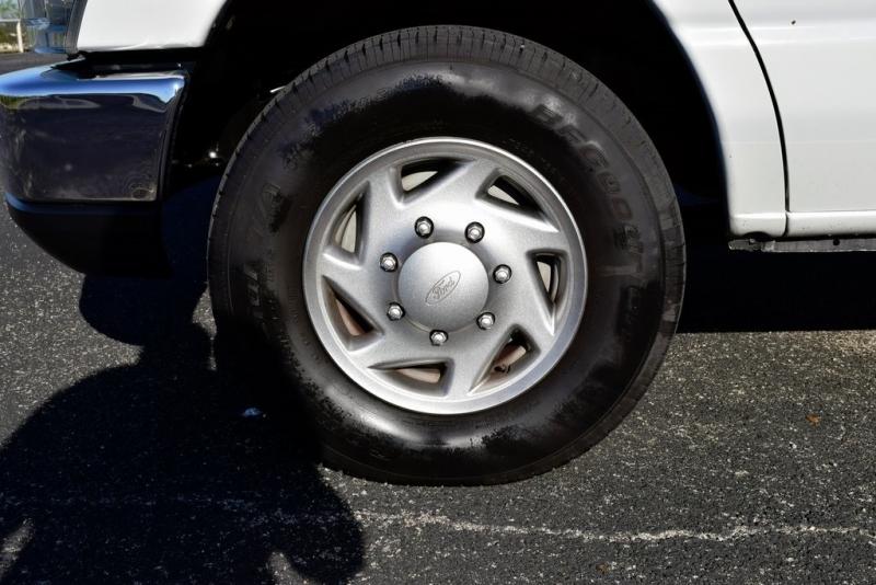 Ford E-350SD 2013 price $14,400