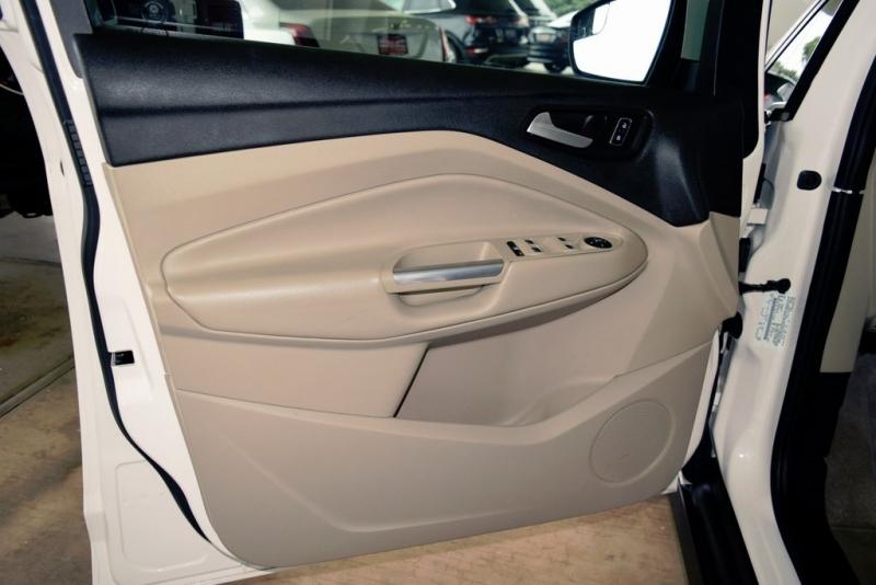 Ford C-Max Hybrid 2015 price $11,450