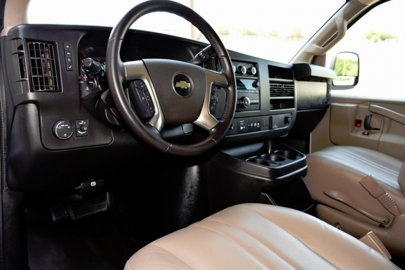 Chevrolet Express 2500 2019 price $20,450