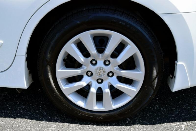 Nissan Altima 2018 price $13,750
