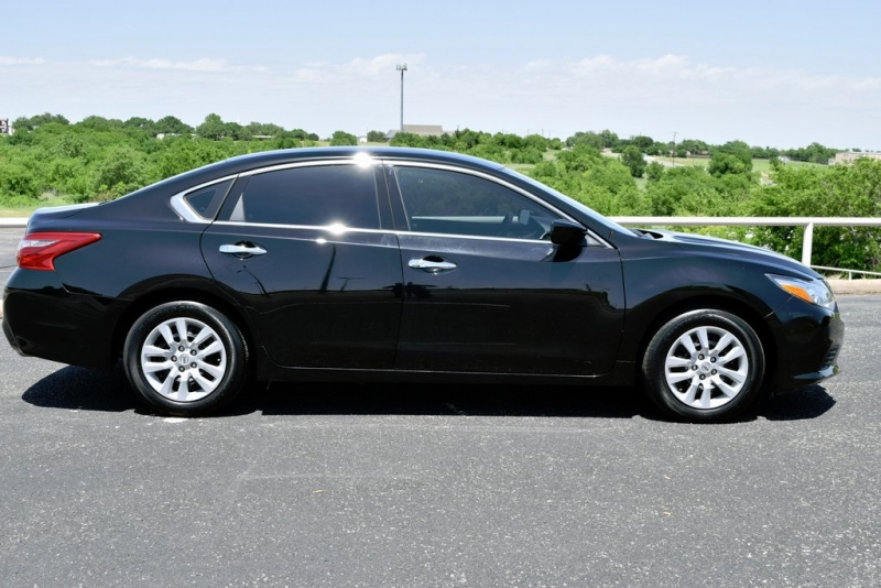 Nissan Altima 2018 price $13,400