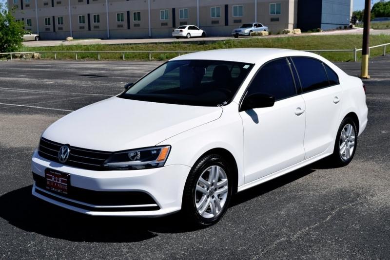 Volkswagen Jetta 2015 price $8,900