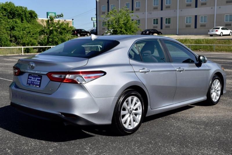 Toyota Camry 2019 price $13,873