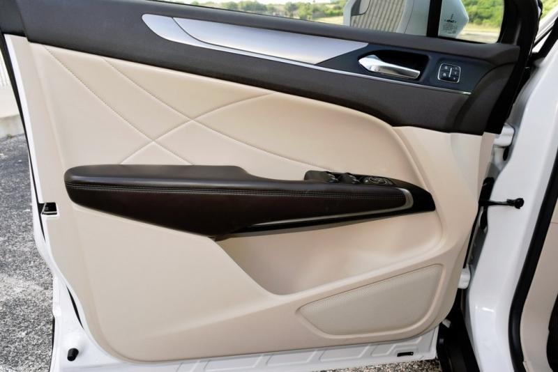 Lincoln MKC 2017 price $19,900