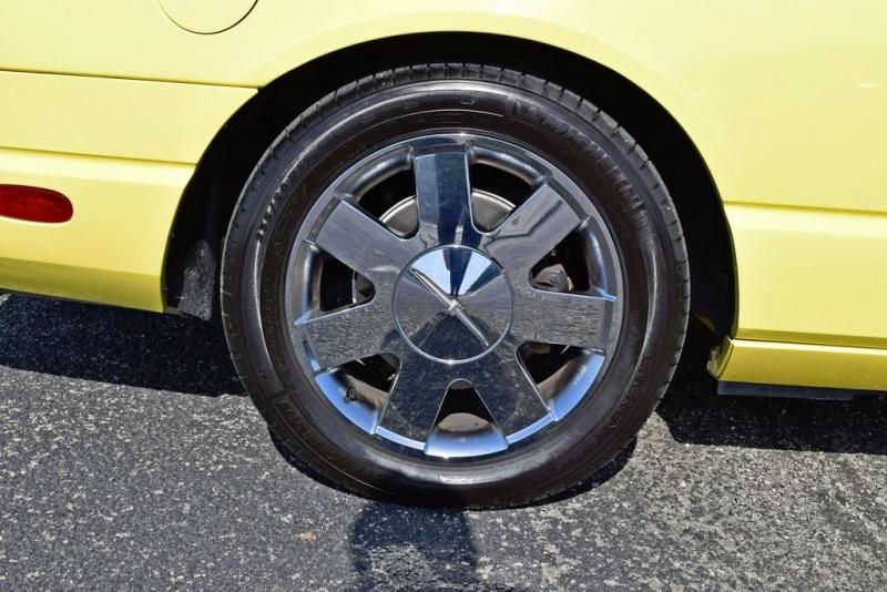 Ford Thunderbird 2002 price $18,850