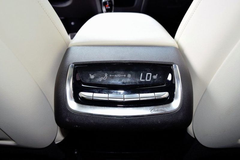 Cadillac XT6 2020 price $58,400