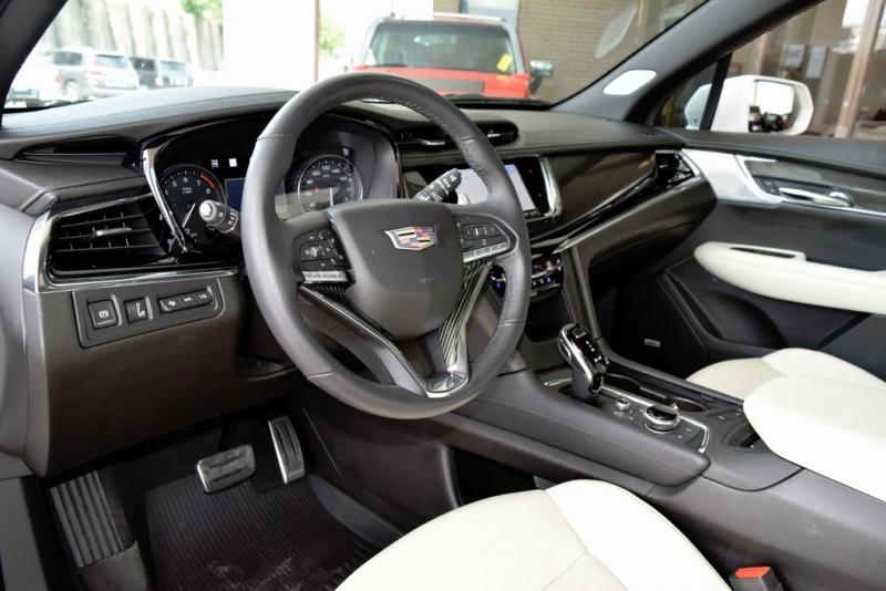 Cadillac XT6 2020 price $57,990