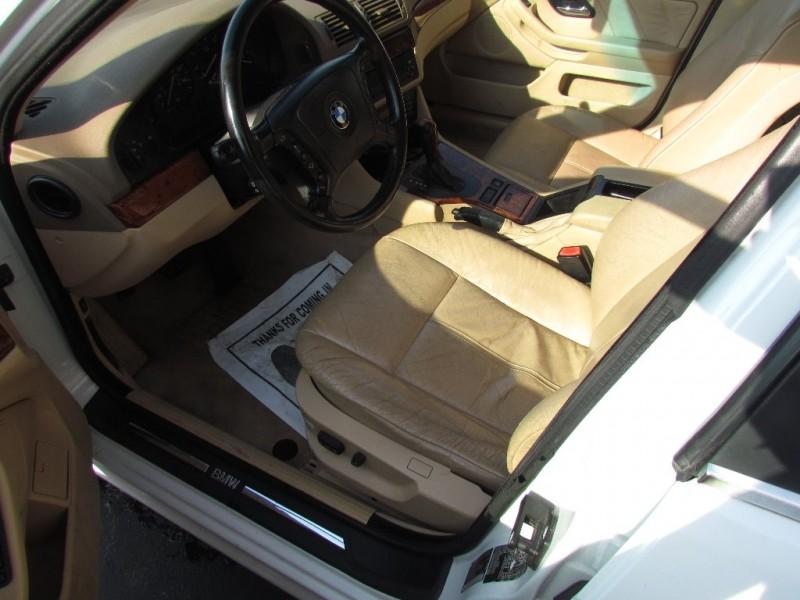 BMW 5-Series 2000 price $1,450