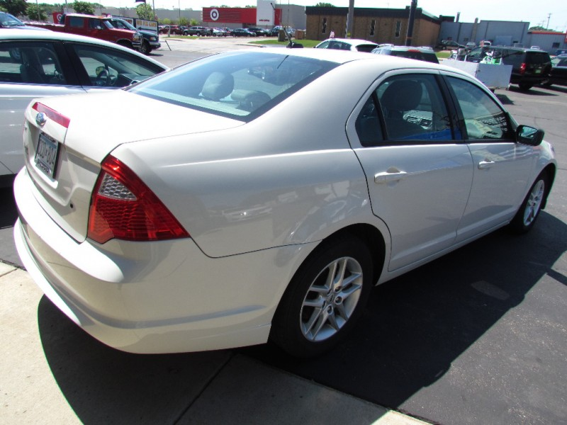 Ford Fusion 2012 price $3,977