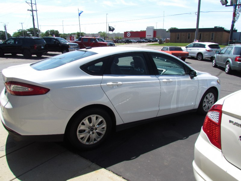 Ford Fusion 2013 price $5,877