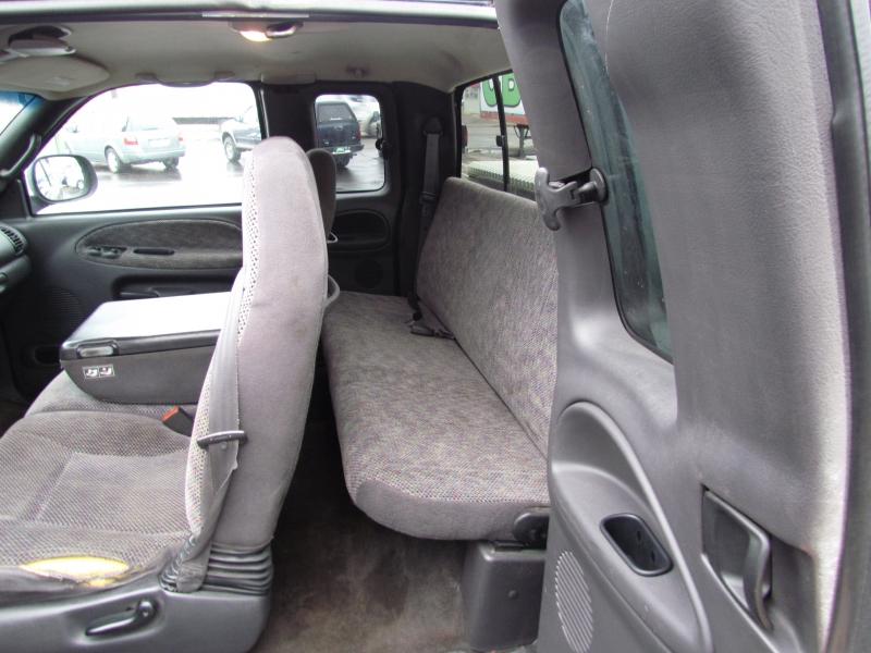 Dodge Ram 1500 2000 price $2,499
