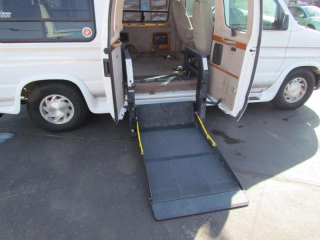 1999 Ford Econoline Handicap Van