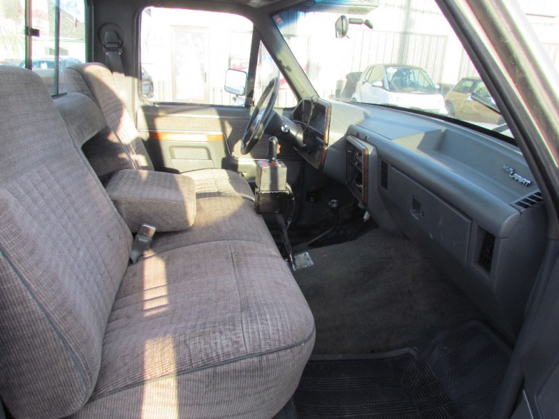 Ford F-150 1991 price $6,400