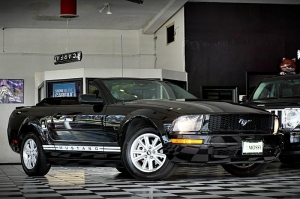 FORD MUSTANG CONV 2008
