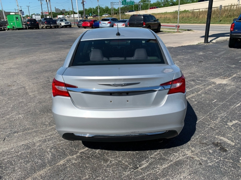 CHRYSLER 200 2012 price $4,995