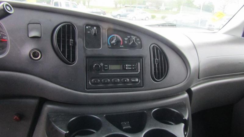 Ford E250 Vans 2006 price $7,995