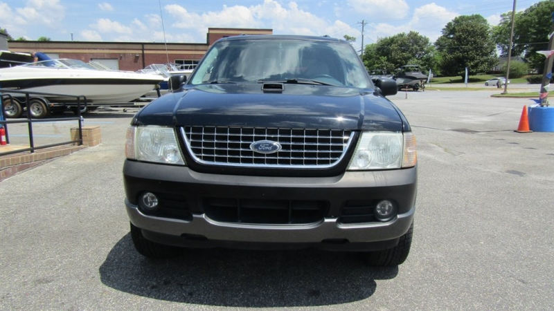 Ford Explorer 2004 price $2,495