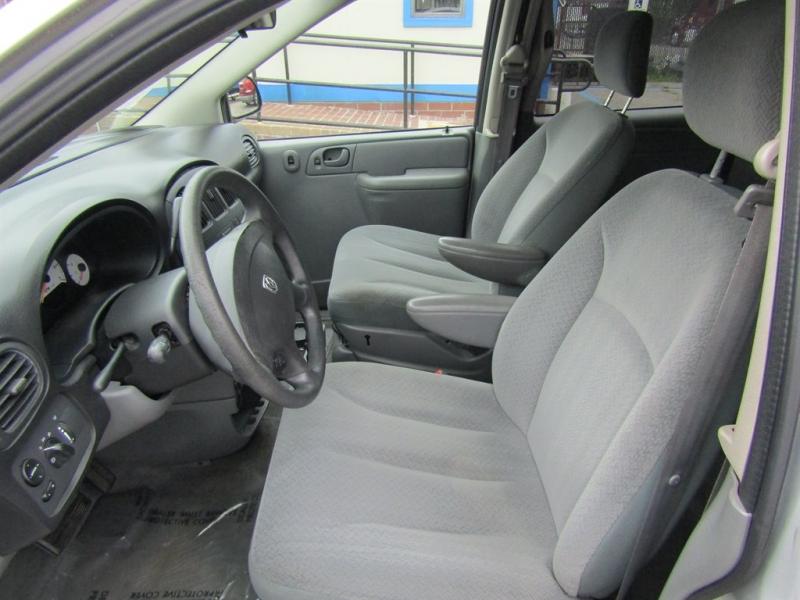 Dodge Grand Caravan 2005 price $2,595
