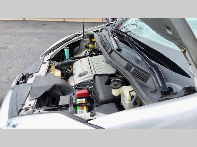 Toyota Sienna Minivan 2005 price $4,995