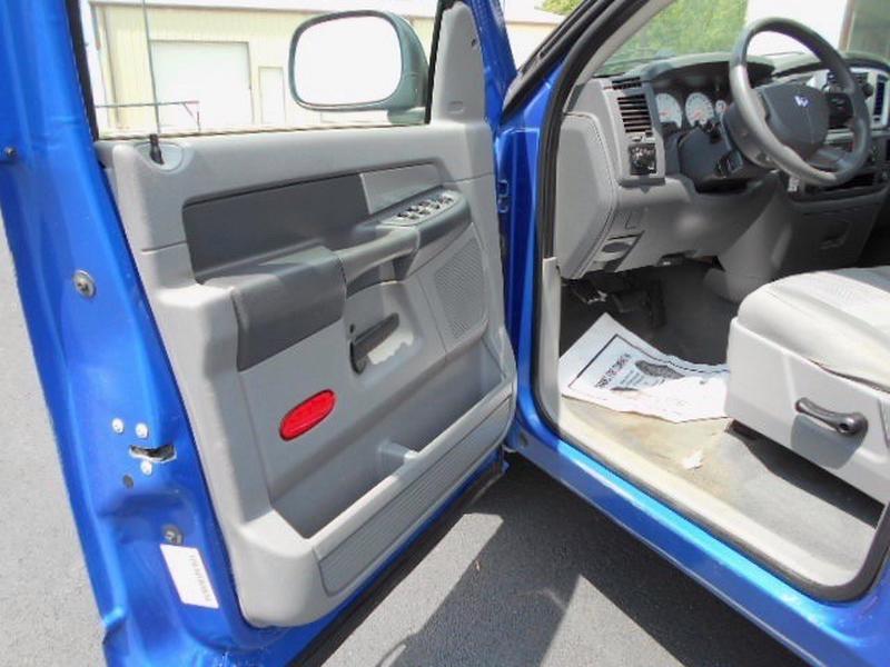 Dodge Ram 1500 Truck 2007 price $8,995