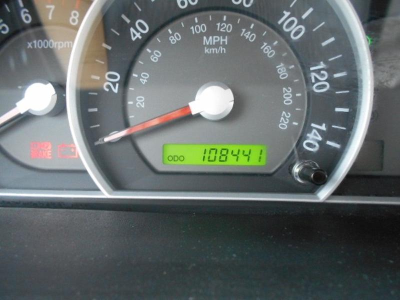 Kia Sorento SUV 2008 price $6,995