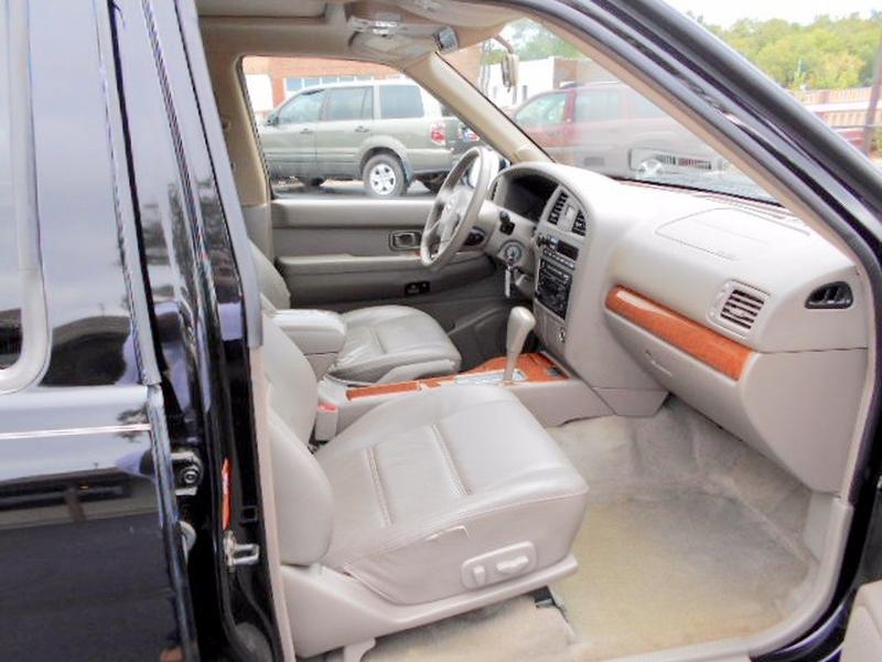 Nissan Pathfinder SUV 2003 price $4,995
