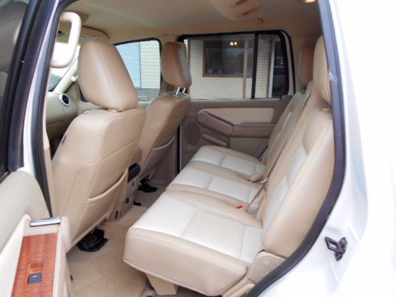 Ford Explorer SUV 2009 price $7,995