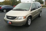 Chrysler Town & Country Minivan 2003