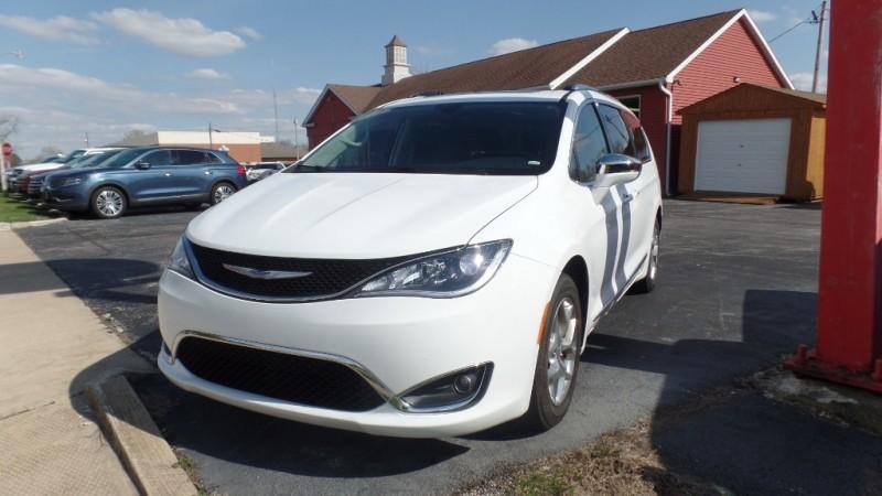 Chrysler Pacifica 2019 price $38,900