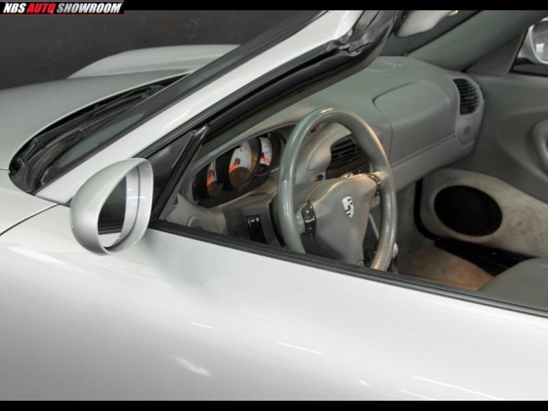Porsche 911 2000 price $15,239