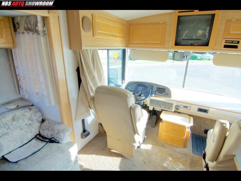 Fleetwood Bounder 39z 2000 price $21,400