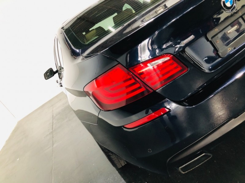 2013 BMW 5-Series 550i xDrive AWD M pkg