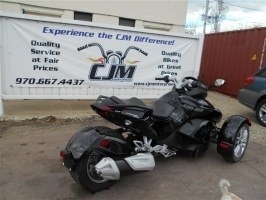 CAN AM SPYDER 2015