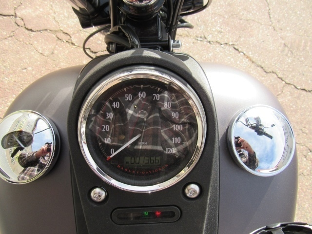 Harley Davidson FXDB 2017 price $13,499