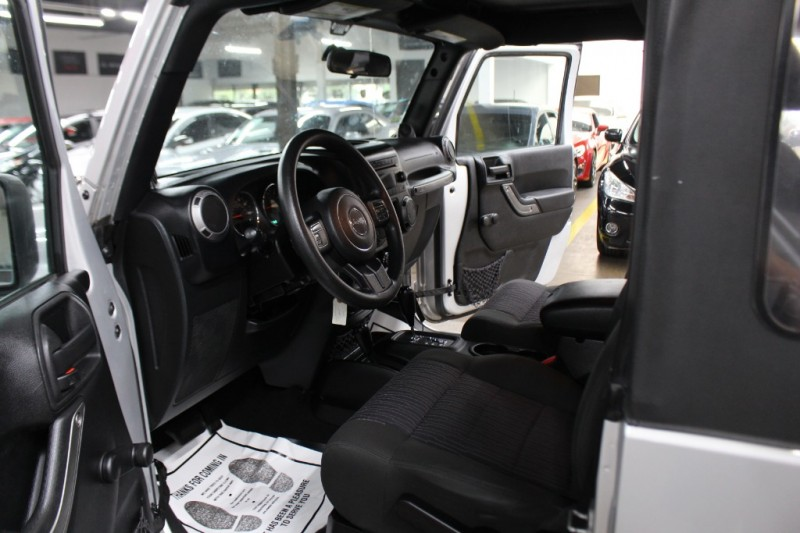 Jeep Wrangler 2012 price $13,999 Cash