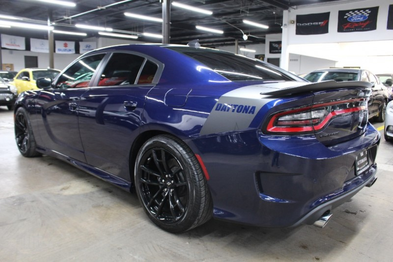 Dodge Charger 2017 price $30,499 Cash