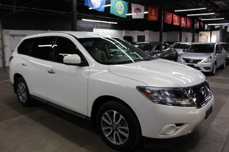 Nissan Pathfinder 2014 price $10,999 Cash