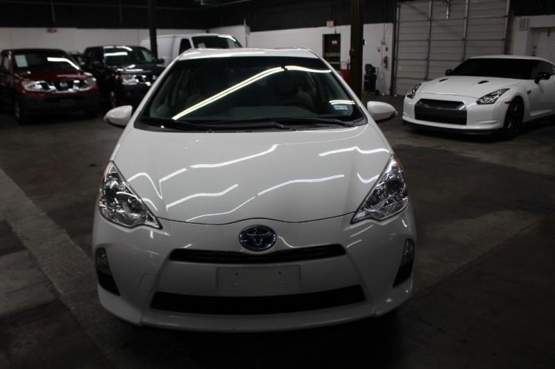 Toyota Prius c 2015 price $8,999 Cash