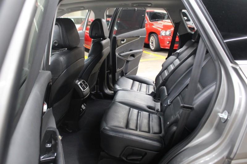 Kia Sorento 2016 price $19,999