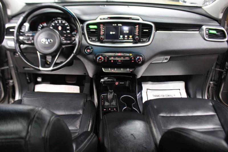 Kia Sorento 2016 price $18,899