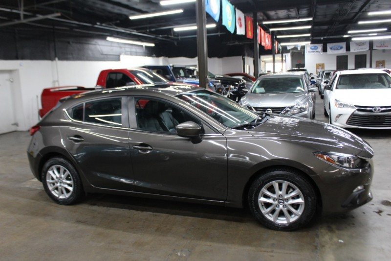 Mazda Mazda3 2015 price $8,999
