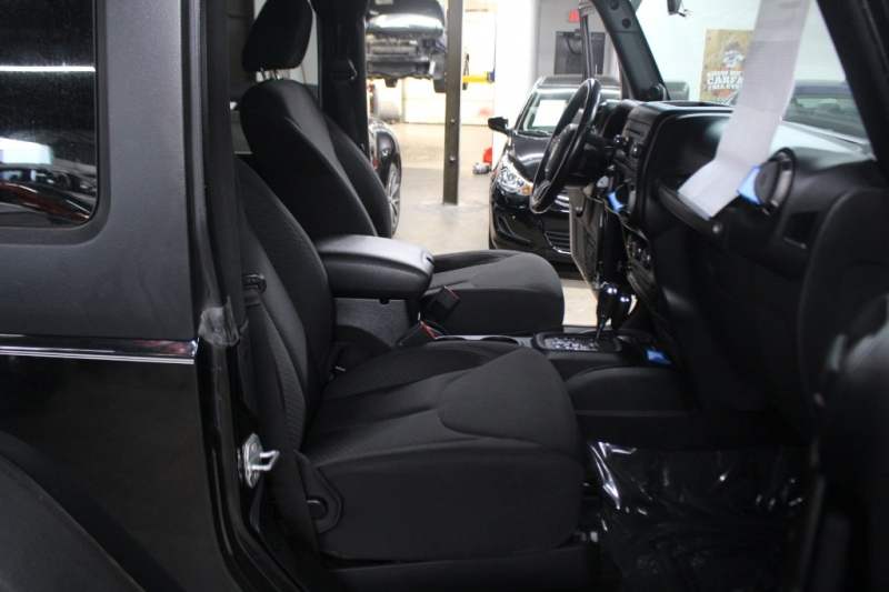 Jeep Wrangler 2014 price $16,999 Cash