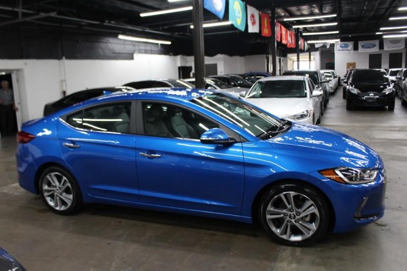 Hyundai Elantra 2017 price $9,999 Cash